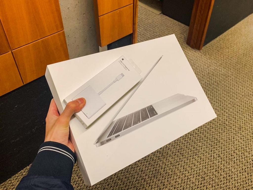 Allen School 配发的 MacBook